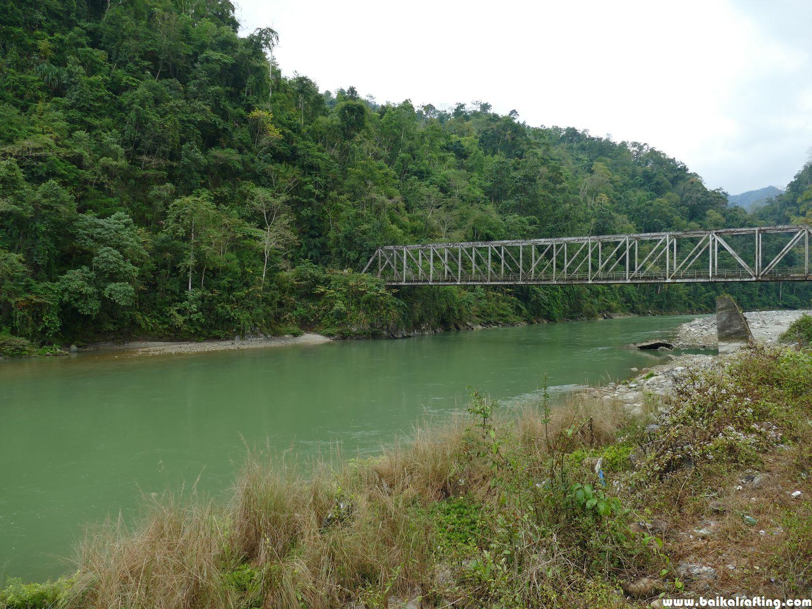 Мост через реку Бичем