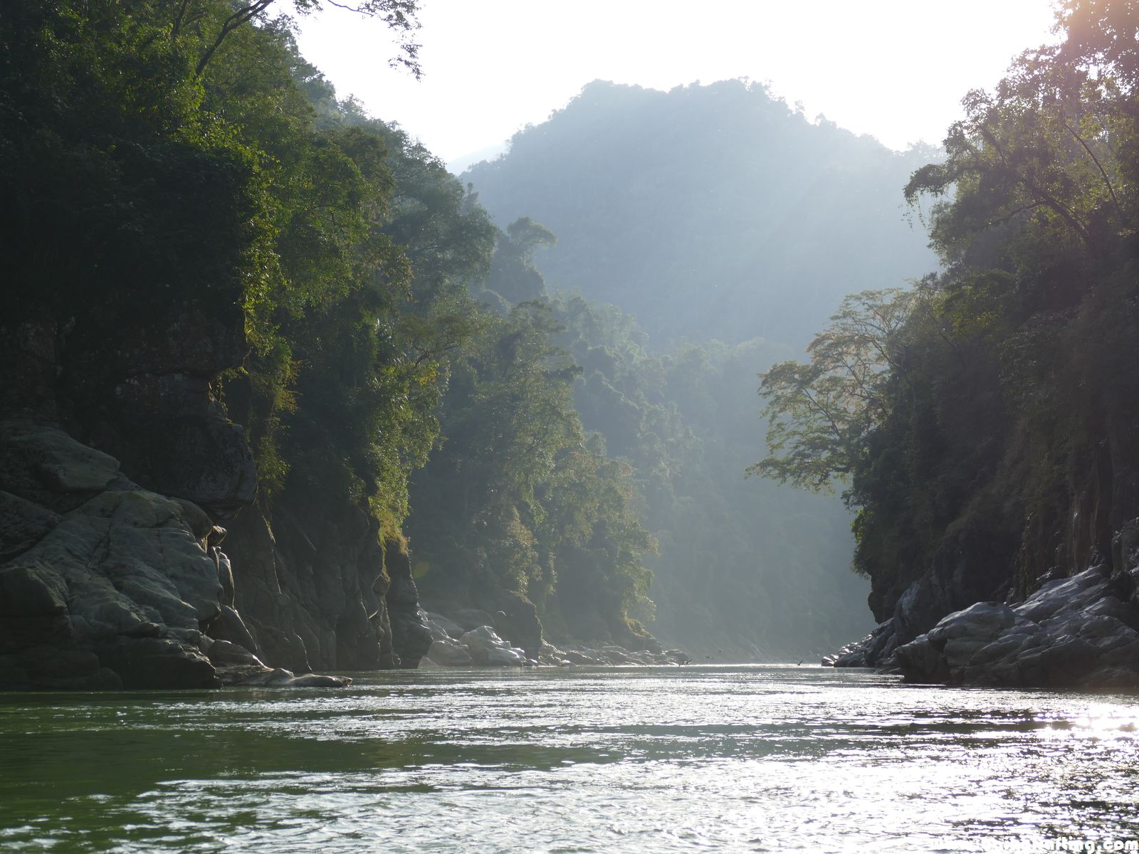 Сплав Гималаи. Каньоны Какменга.