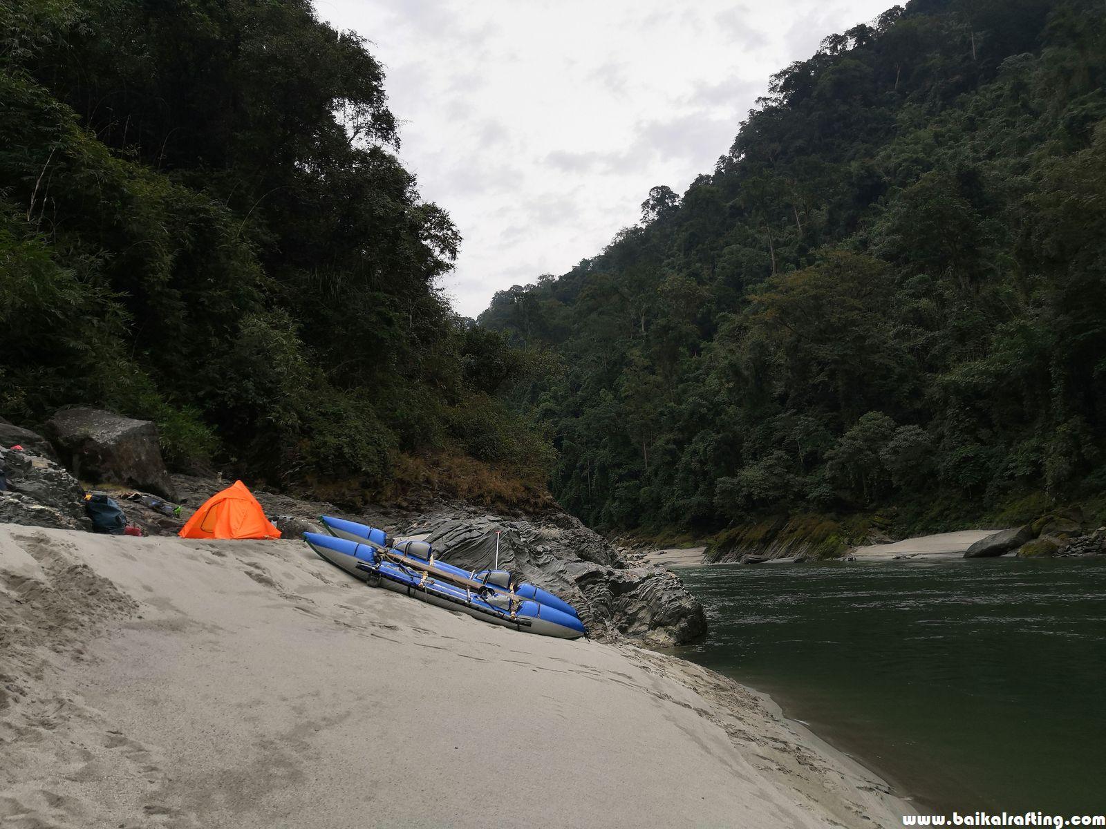 Лагерь Каменга