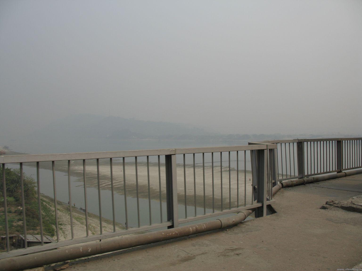 Река Брахмапутра. Мост Гувахати.