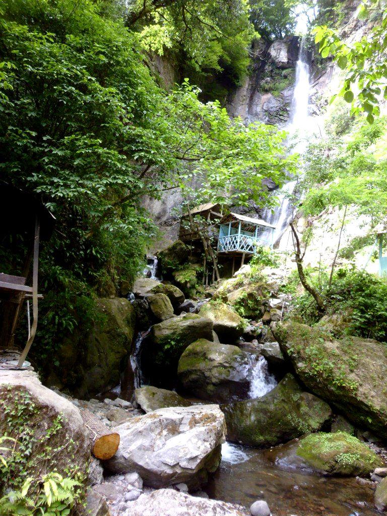 Водопад Махунцети.